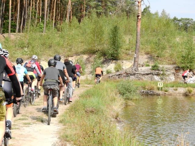 Wycieczka ER-HA Rowery i Przyjaciele - Stawy w Rokitnicy Bar u Zygmunta 3 fot. Piotr Zapała