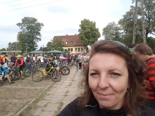 Wycieczka ER-HA Rowery i Przyjaciele - Zbiórka 2 fot. Marta Stradomska Pociąg do Kolumny